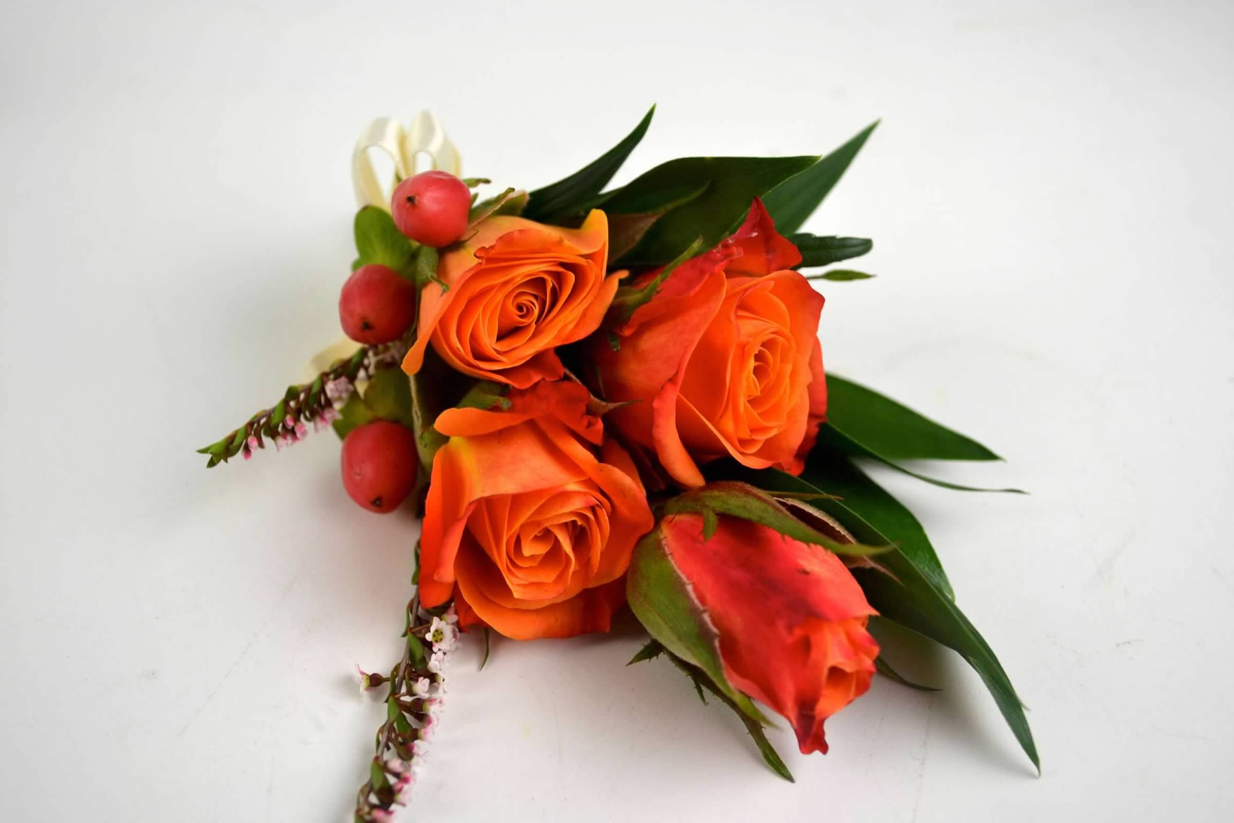 boutonnieres-corsages-autumn-wedding