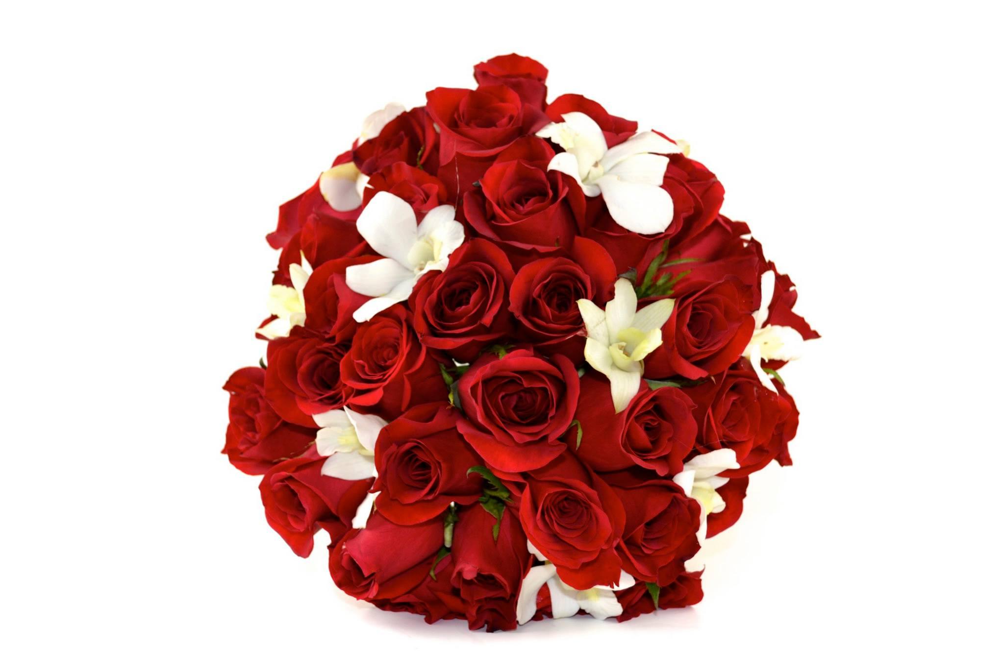 red-white-wedding-flowers-minneapolis-minnesota